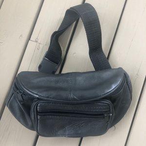 3/30$ Vintage Black Belt Bag / Fanny Pack